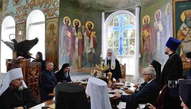 Владыка Афон братская трапеза в Пантелеимонов монастыре