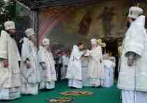 Служение Святейшего Патриарха Кирилла в праздник Преображения Господня на Соборной площади Выборга